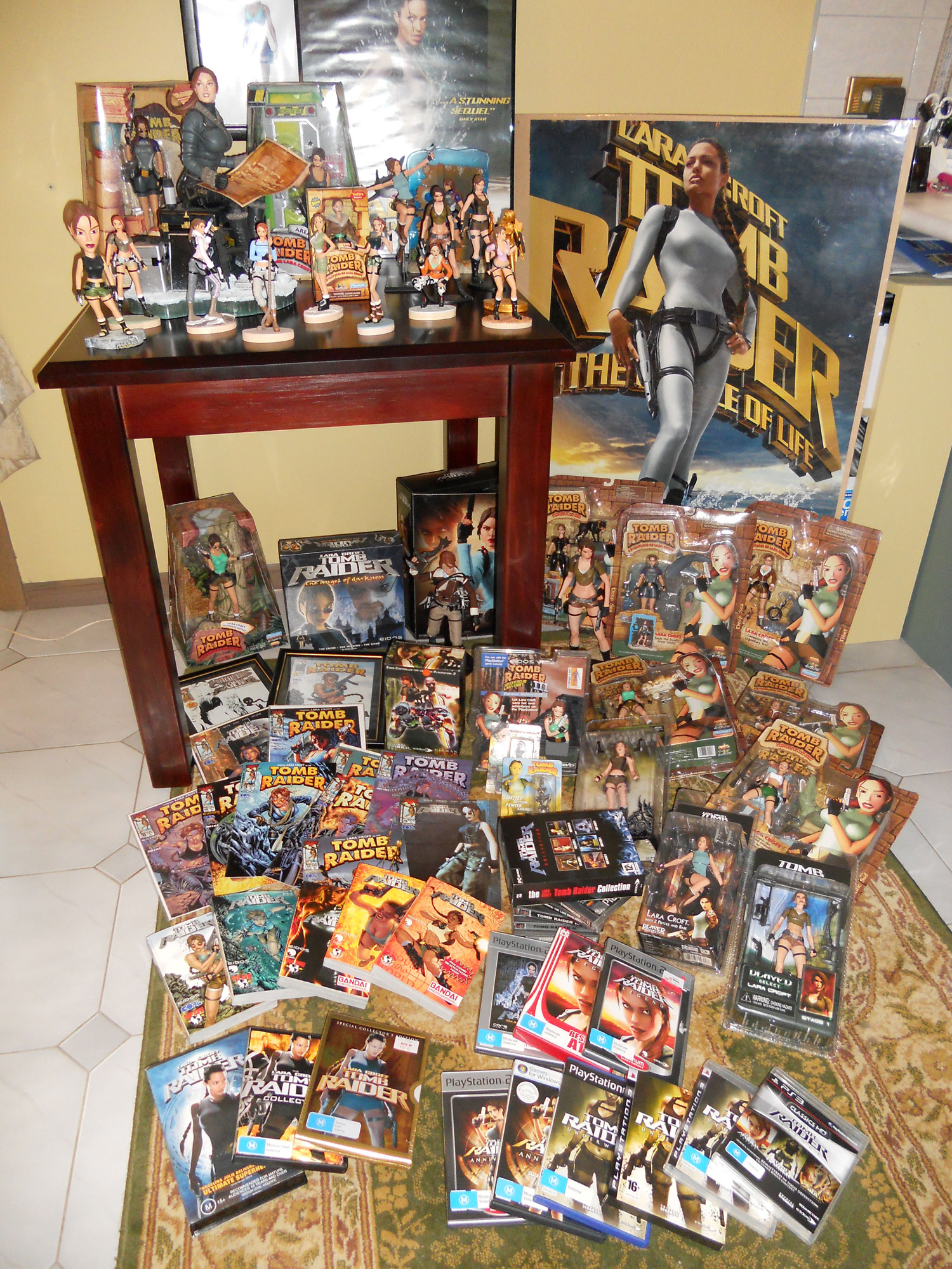 A Collection Of The Most: Stella's Tomb Raider Blog: Lara's Hidden Treasures: Tomb
