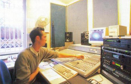 Tomb Raider composer Nathan McCree in his studio in 1996